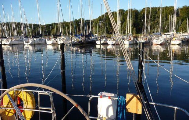 segeltoerns-kiel-wochenende-segelschiff