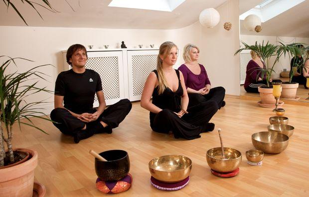 behandlung-bad-fuessing-meditation