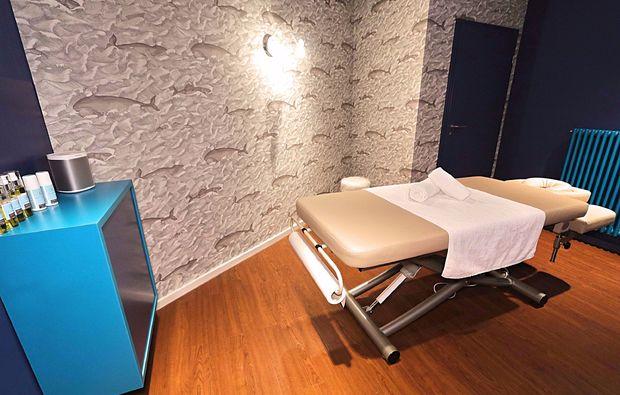 ganzkoerpermassage-duesseldorf-massageliege