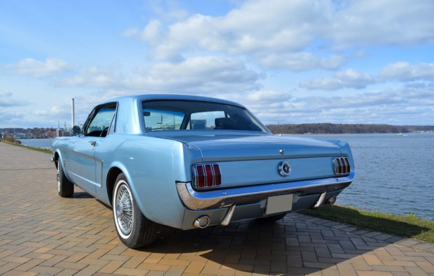 ford-mustang-oldtimer-fahren-wees-bg3