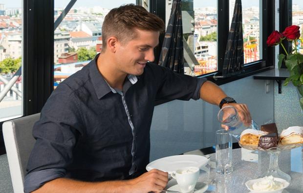 erlebnisrestaurant-wien-kaffee-kuchen1573655736