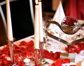 Kuschelwochenende (Voyage d´Amour für Zwei) Hotel Schloss Romrod - 4-Gänge-Candle-Light-Dinner