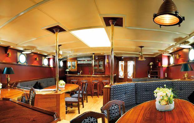 segeln-brunchen-hamburg-essbereich