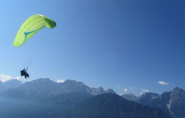 gleitschirm-tandemflug-lienz-alpen