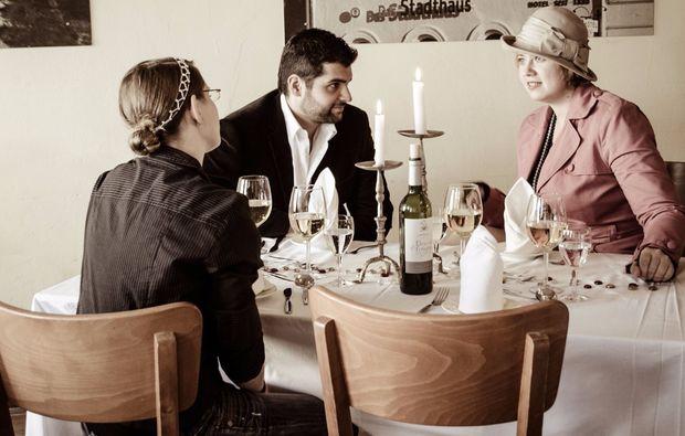 krimi-dinner-lueneburg-kostuem