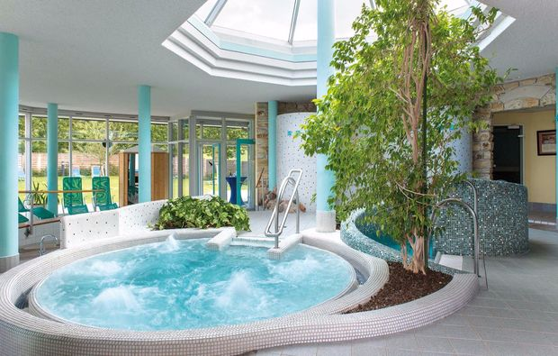 wellnesshotel-teistungen-hotel-pool