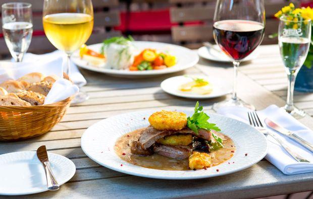 achat-hotel-neustadt-an-der-weinstrasse-dinner