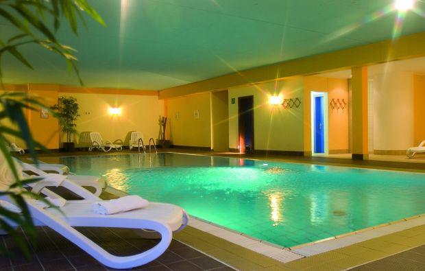 romantikwochenende-schnalstal-pool