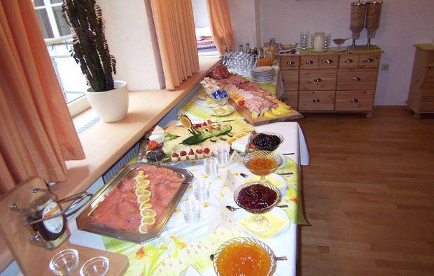 romantikwochenende-schiltach-fruehstueck-buffet