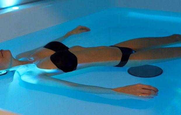 floating-massage-wuerselen-wellness