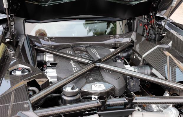 supersportwagen-stutensee-fahren-v12-motor