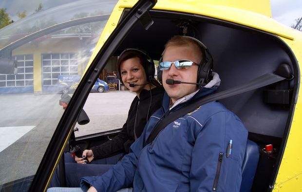 hubschrauber-rundflug-feldkirchen-bei-graz-pilot