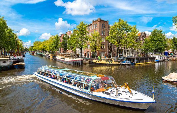 traumreise-amsterdam-grachtenfahrt