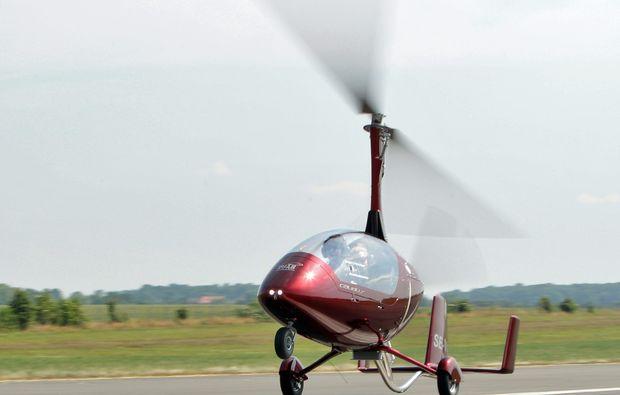 tragschrauber-rundflug-straubing-gyrocopter-rot-start