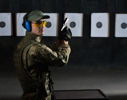 Schießsport für Jedermann  Großkampenberg Schießtraining mit Pistolen, Gewehren - 60 Minuten