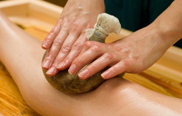 kraeuterstempelmassage-eppelheim-heilkraeutermassage