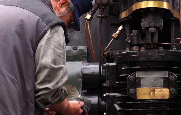 dampflok-fahren-technik