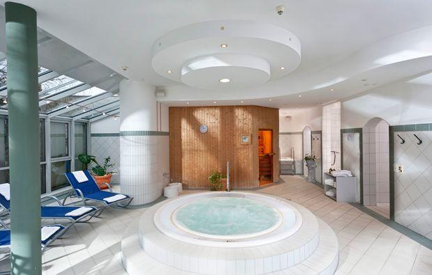 kuschelwochenende-neukirchenpleisse-spa-wellness