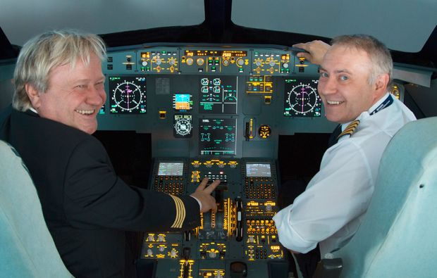 flugsimulator-a320-nuernberg-cockpit