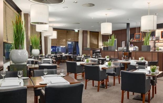 freizeitparks-mit-uebernachtung-restaurant