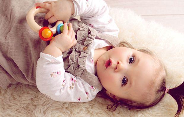 familien-fotoshooting-schwerin-baby-maedchen