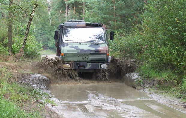 truck-offroad-fahren-fuerstenau-fahrspass