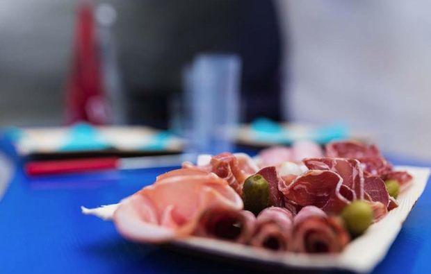 romantik-iglu-avoriaz-aufschnittplatte