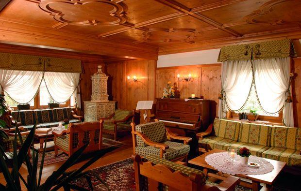 romantikwochenende-uttenheim-wohnzimmer