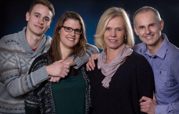 familien-fotoshooting-erlangen-gluecklich