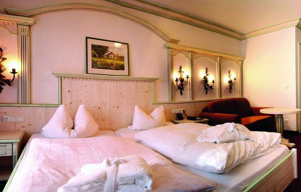 wellness-wochenende-deluxe-rimbach-nahe-regensburg-schlafzimmer