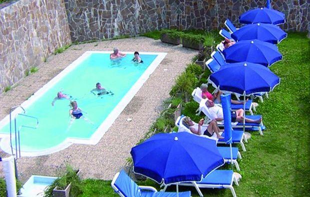 romantikwochenende-segonzano-pool