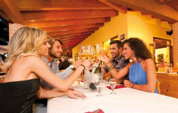 urlaub-mit-hund-cavallino-dinner