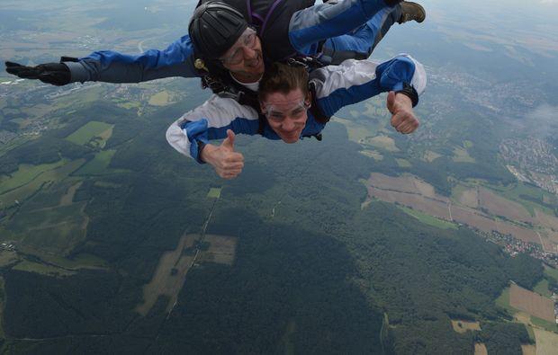 fallschirm-tandemsprung-schoengleina-fallspass