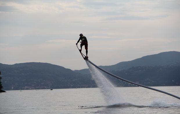 hoverboarden-ispra-lago-maggiore-wassersport