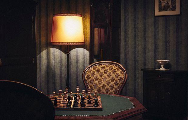 escape-room-dortmund-tisch