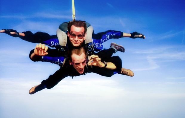 fallschirm-tandemsprung-speyer-spass