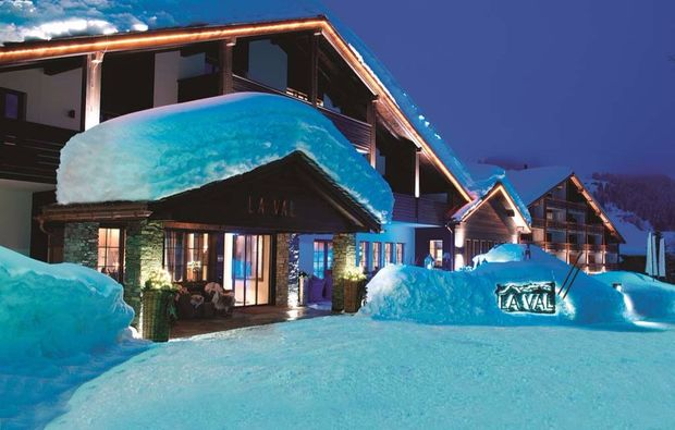 wellnesshotel-brigels-hotel-winter