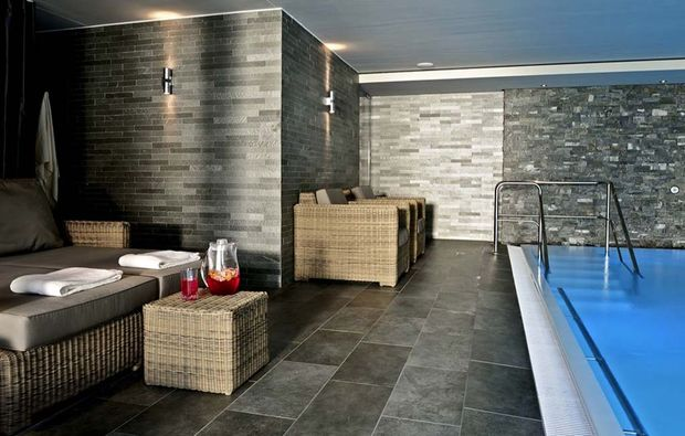wellnesshotel-brigels-pool