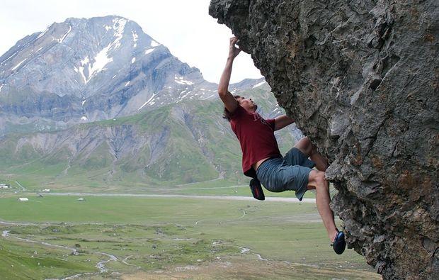 mammut-kletterkurs-adelboden-bouldern