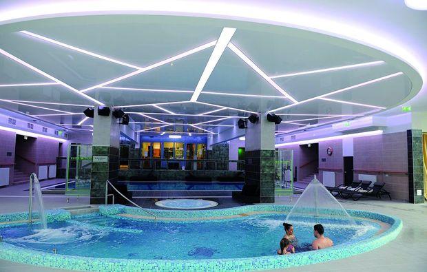 kuschelwochenende-eger-pool