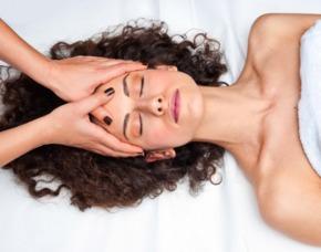 Wellness Massage für 1 Personen Rückenmassage, Gesichtsmassage, Arm- und Beinmassage, Fußbad