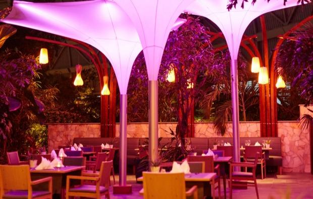 erlebnisreise-tropical-island-berlin-restaurant