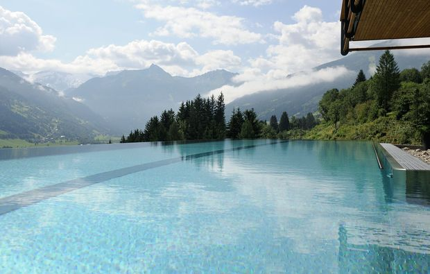 wellness-wochenende-deluxe-bad-hofgastein-pool