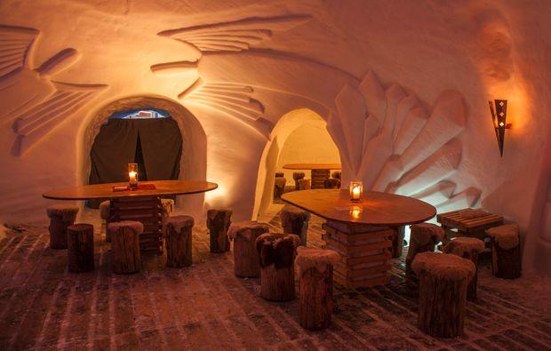 uebernachtung-im-iglu-oetz-restaurant
