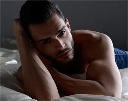 erotik-fotoshooting-koeln-mann-bett