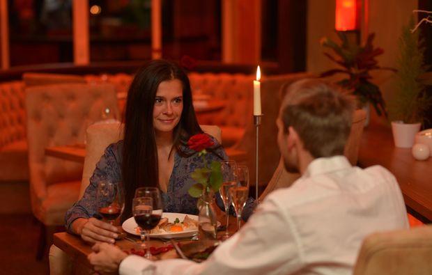 kurzurlaub-rostock-candlelight-dinner