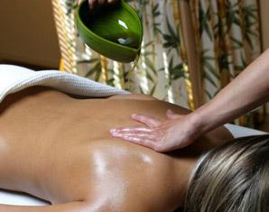 After Work Relaxing Rückenmassage, ayurvedische Fußmassage