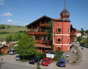 Zauberhafte Unterkünfte (Landhotels für Zwei) Hotel Böhmerwald - Dinner oder Massage oder Eintritt Felsengänge