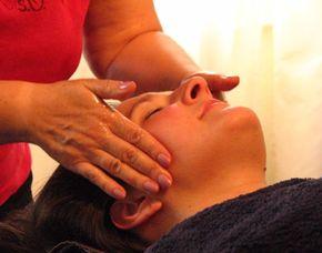 Gesichtsmassage   Wiesbaden Ayurvedische Gesichtsmassage - Mukabhyanga - 40 Minuten