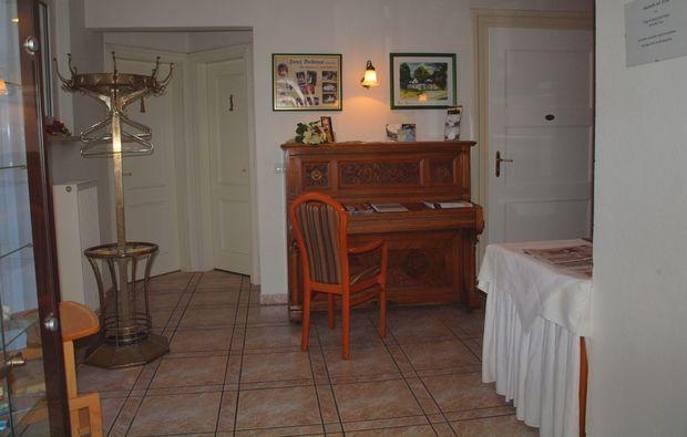 kuschelwochenende-schmoelln-wohnzimmer